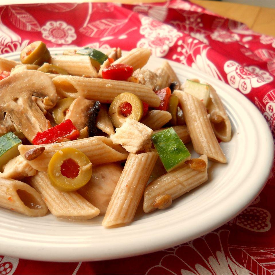 Chicken and Vegetable Pasta Salad CookinBug