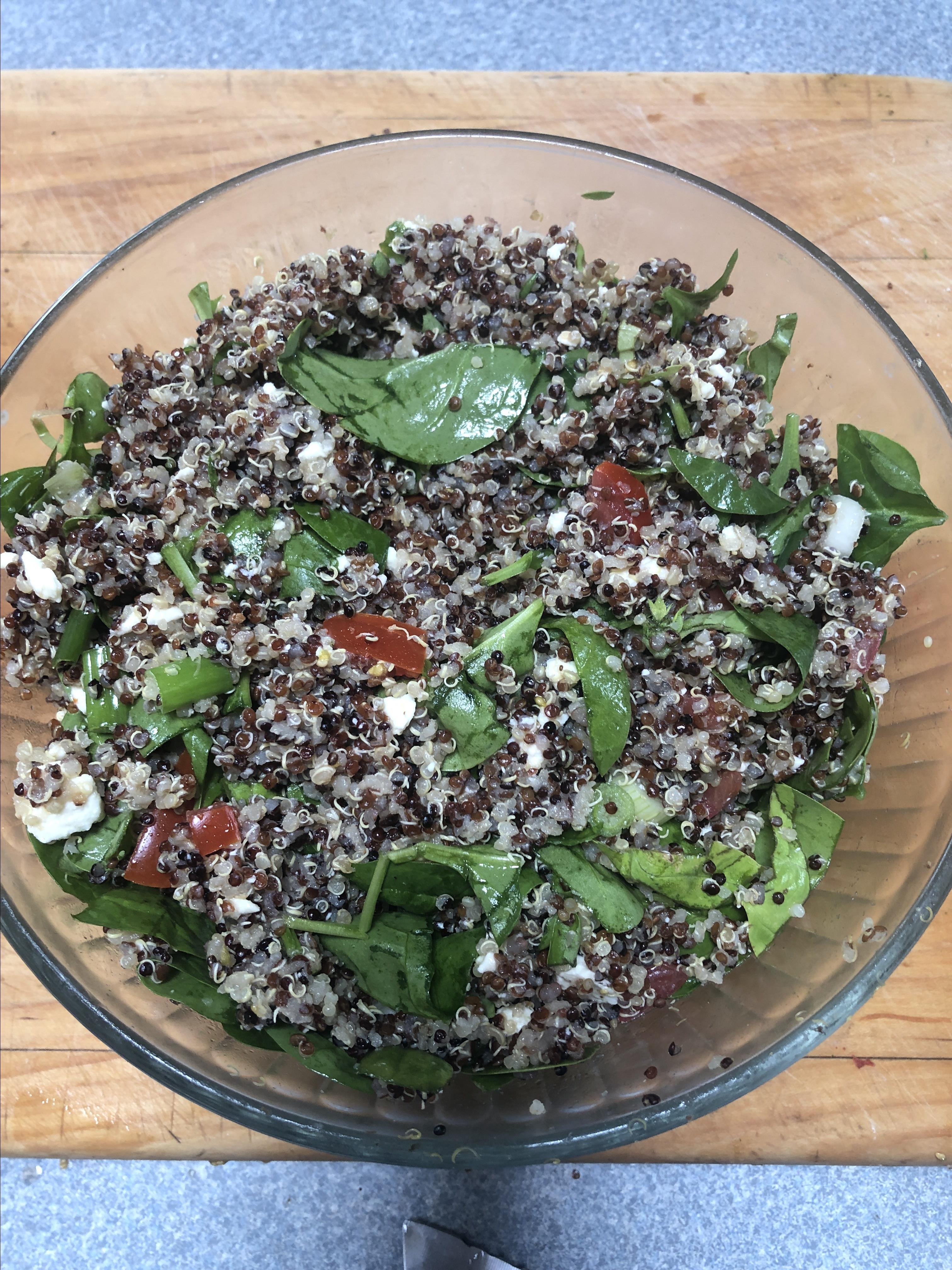 Spinach, Tomato, and Feta Quinoa Salad fiddleexercise