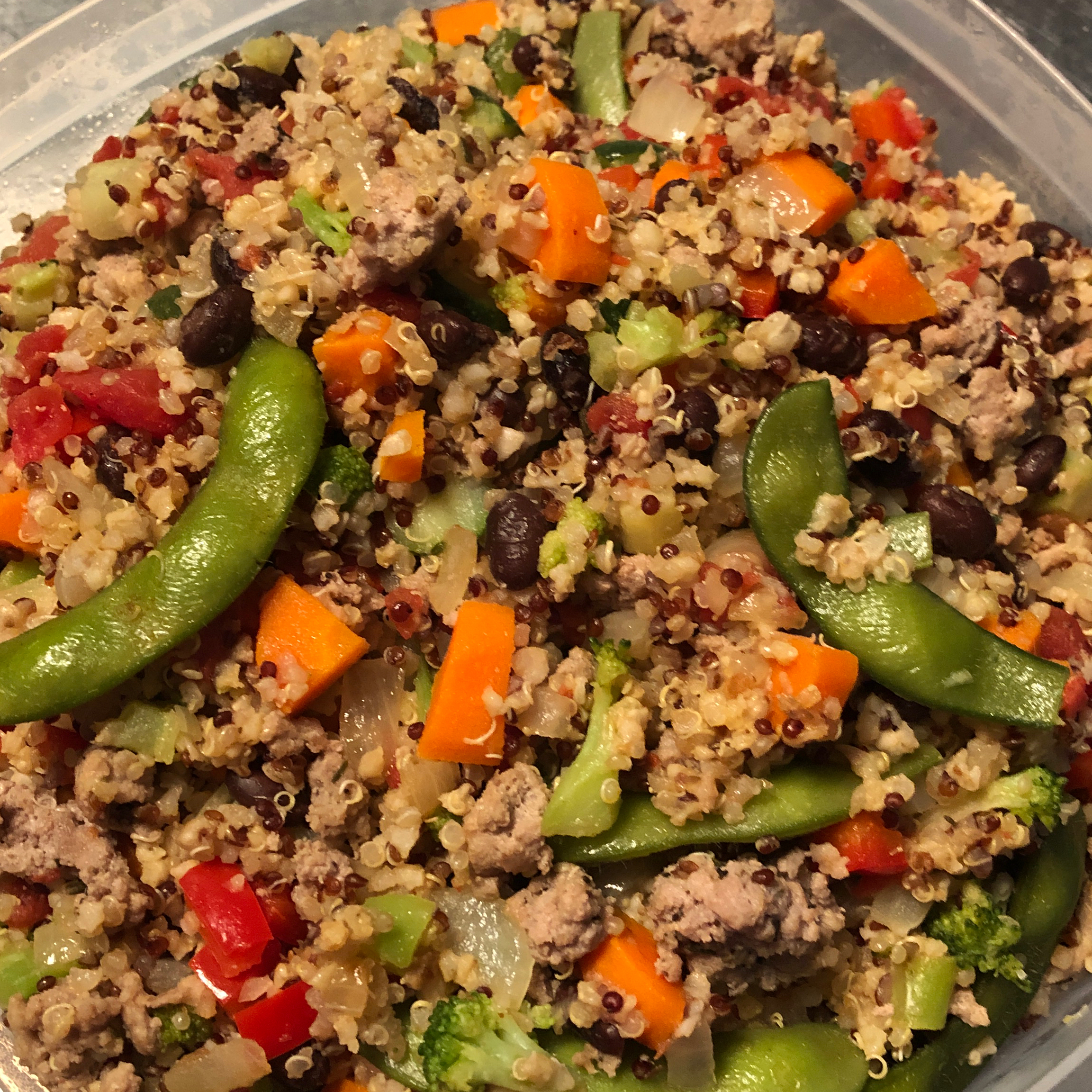 Carrot, Tomato, and Spinach Quinoa Pilaf with Ground Turkey