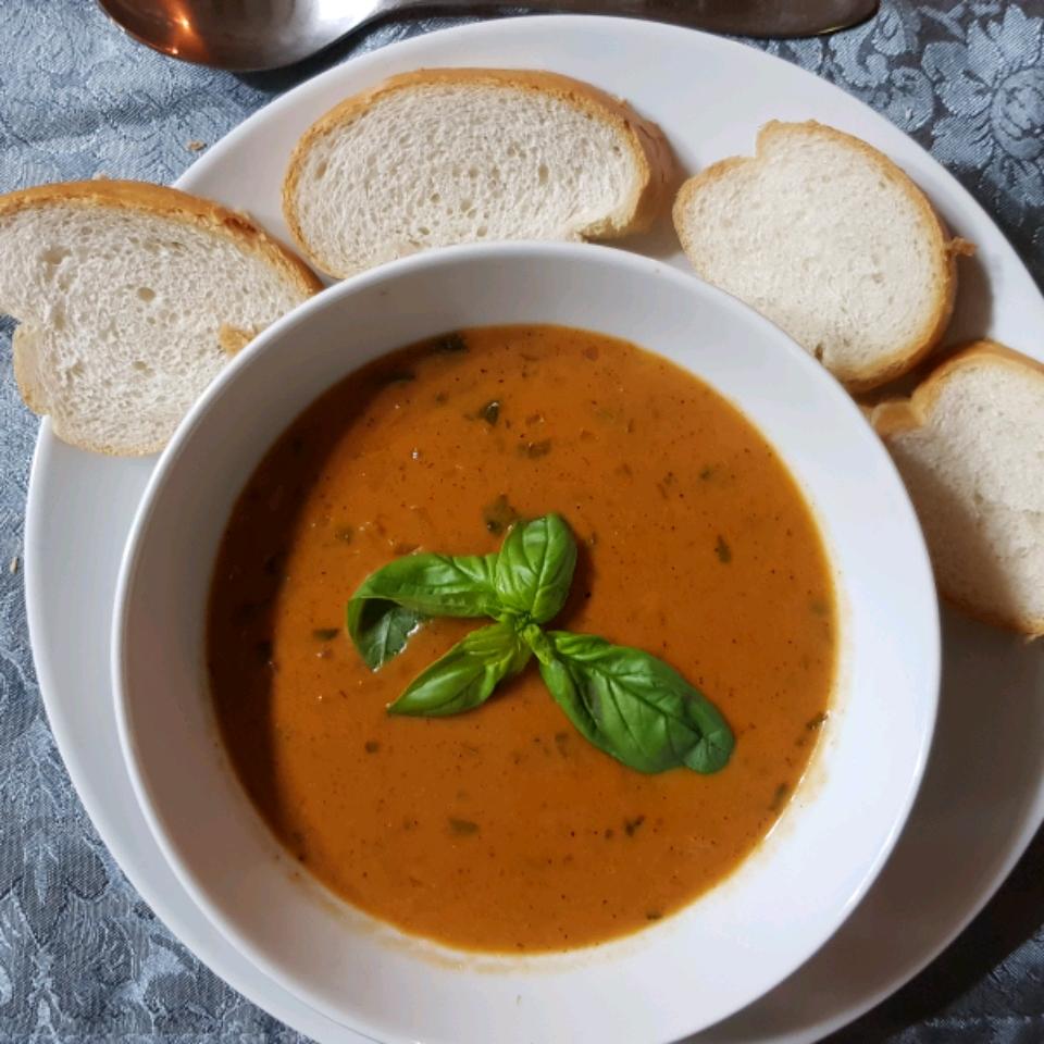 Parmesan Basil Tomato Soup Lance
