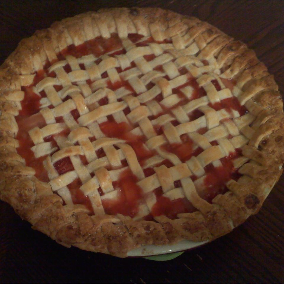 Summer Strawberry Rhubarb Pie