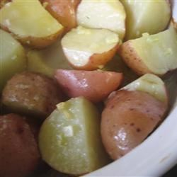 Garlic Red Potatoes mommyluvs2cook