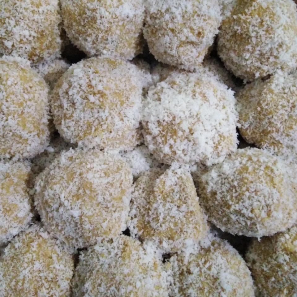 Coconut Rum Balls Elie C. Salameh