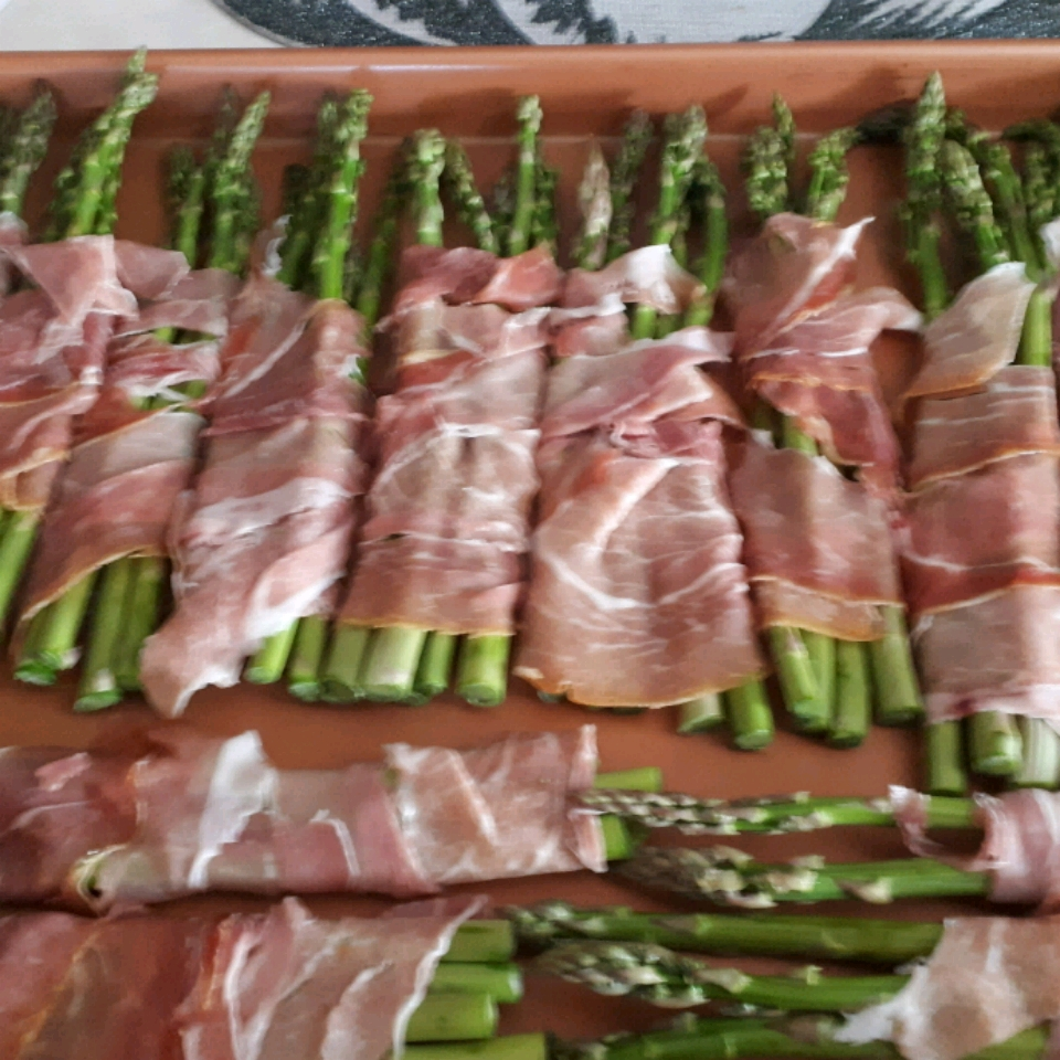 Asparagus Wrapped in Crisp Prosciutto Driciafury