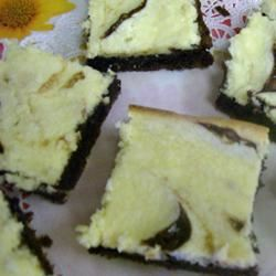 Cream Cheese Brownies II makescakes
