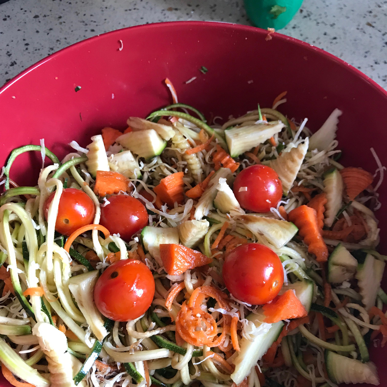 Spiral Zucchini Salad valvicver