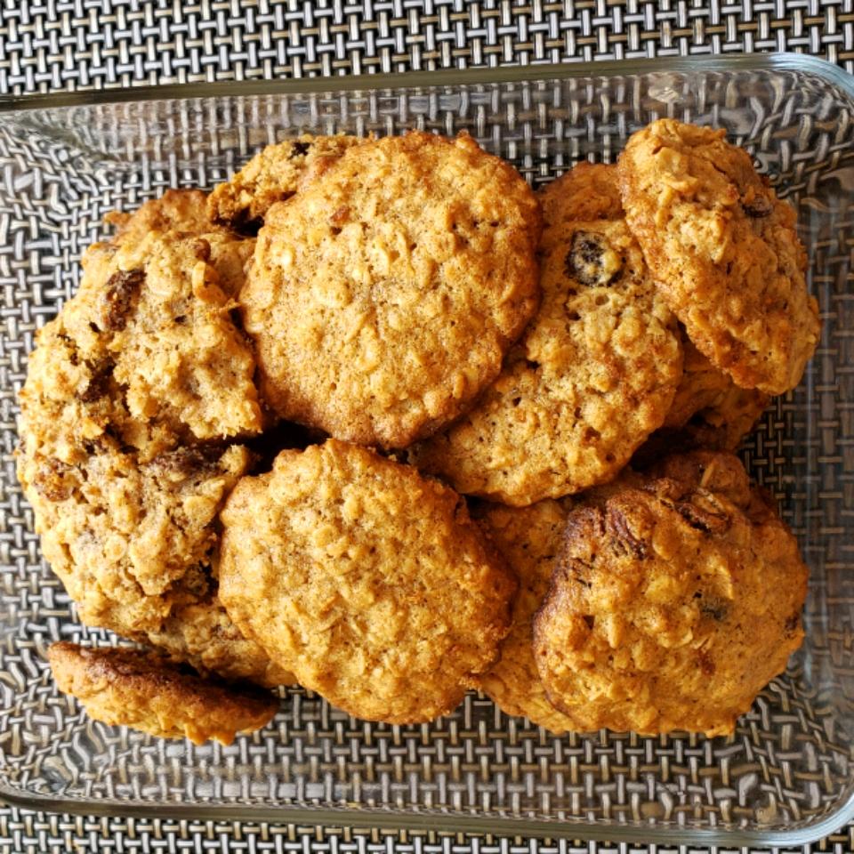 Beth's Spicy Oatmeal Raisin Cookies joeboxer35