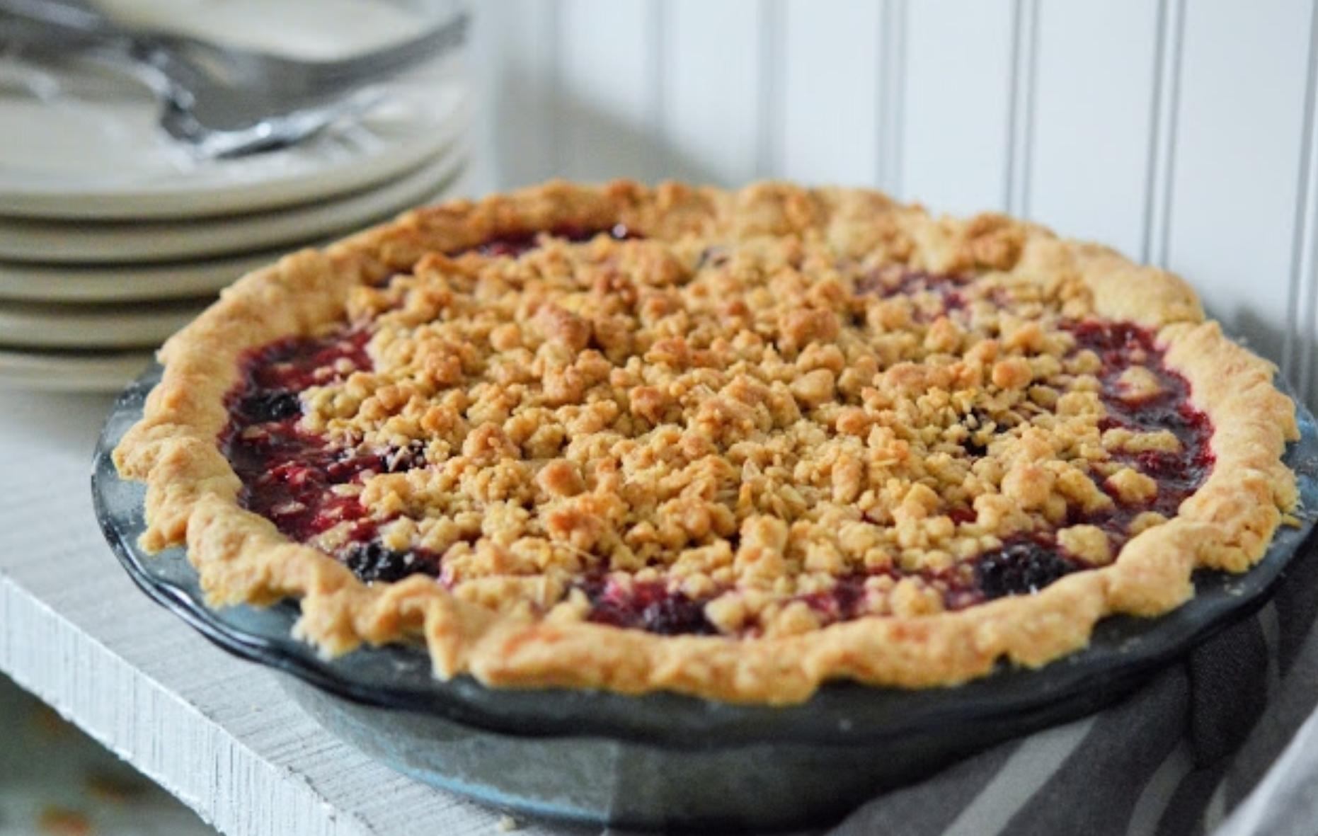 Best Homemade Blackberry Pie