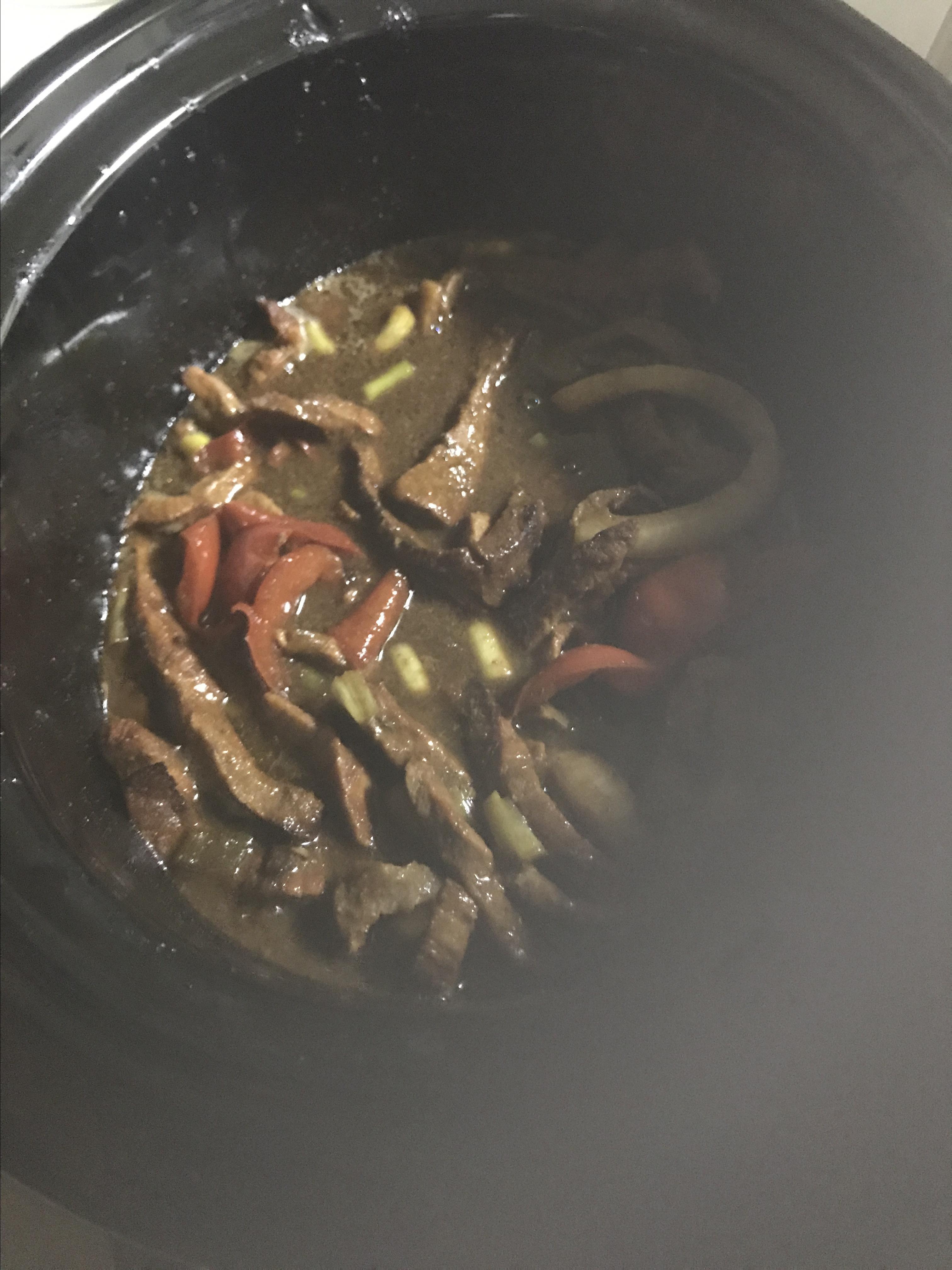 Slow-Cooker Pepper Steak Leigh FunSize Richardson
