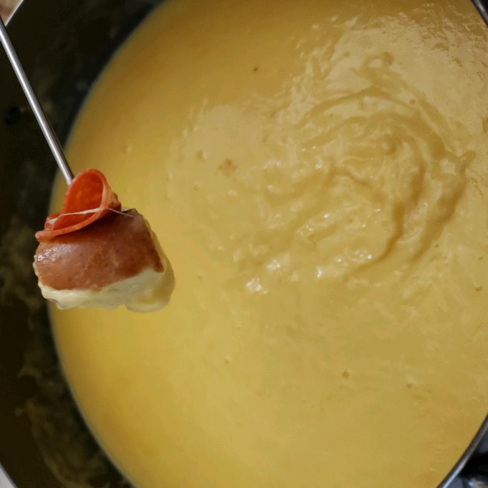 Better-Than-a-Restaurant Cheese Fondue