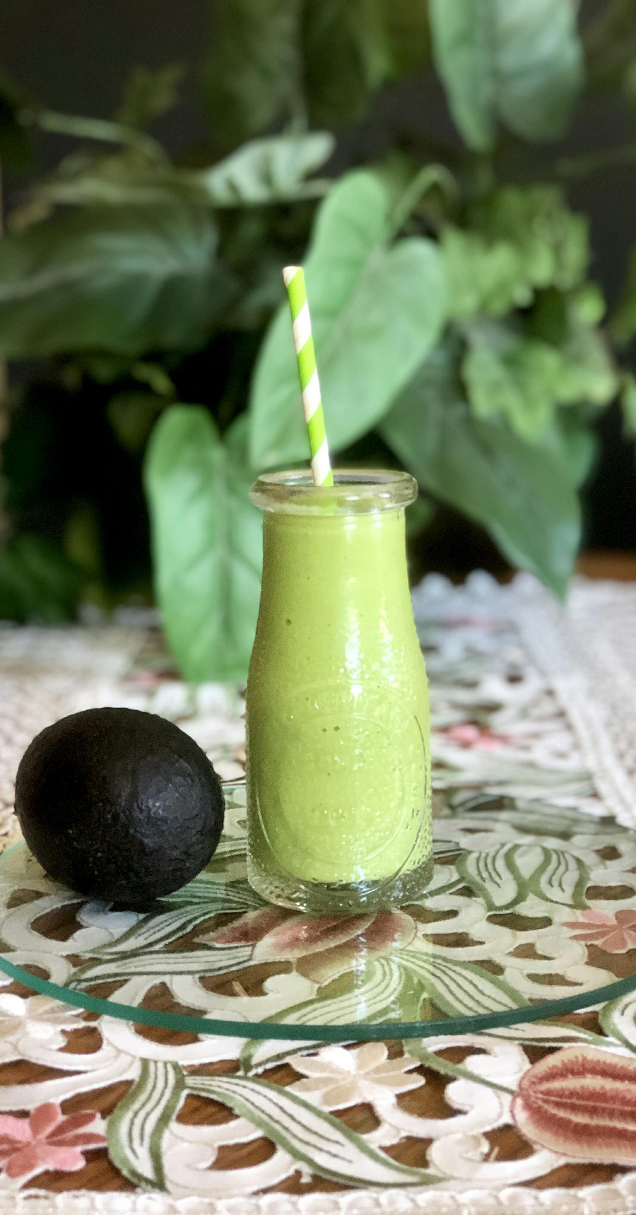 Keto Avocado-Spinach Smoothie