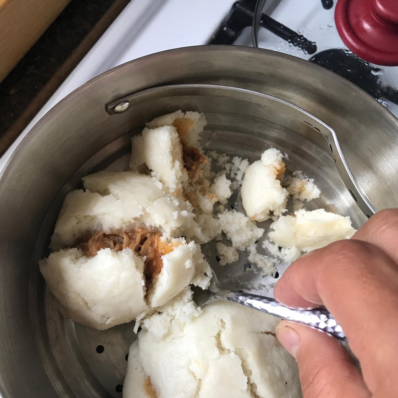 Siopao (Filipino Steamed Dumplings) Joel Allen