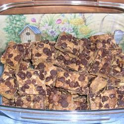 Peanut Butter/Chocolate Chip Cookie Bars Anonymous