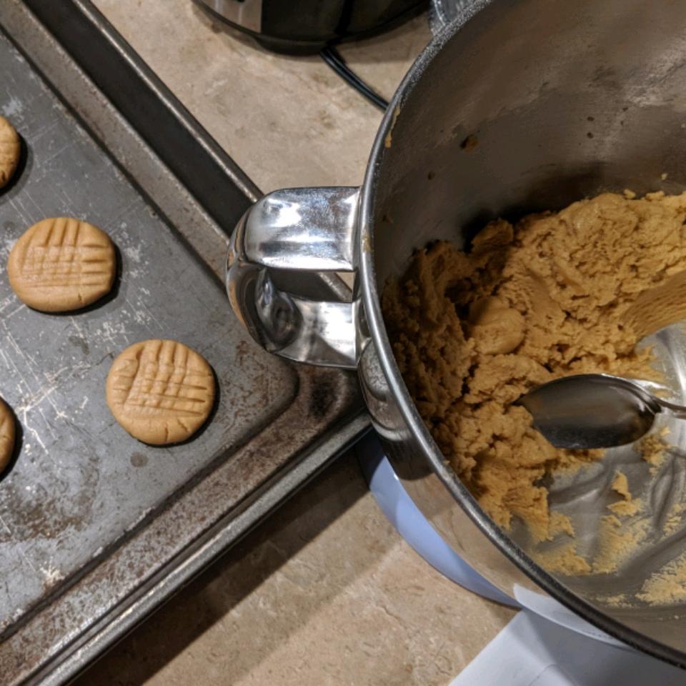 Robin's Peanut Butter Cookies ZDuck72