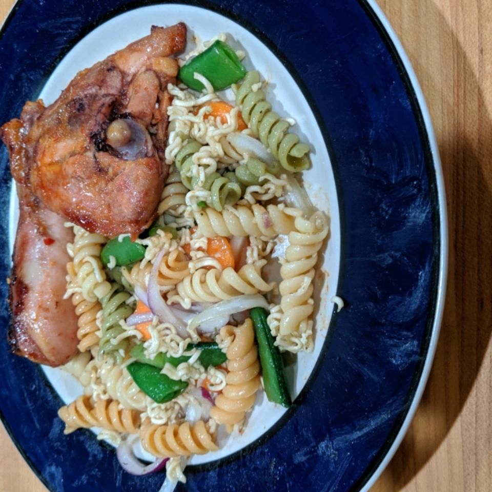 Asian Noodle and Pasta Salad Kelly Van Hee