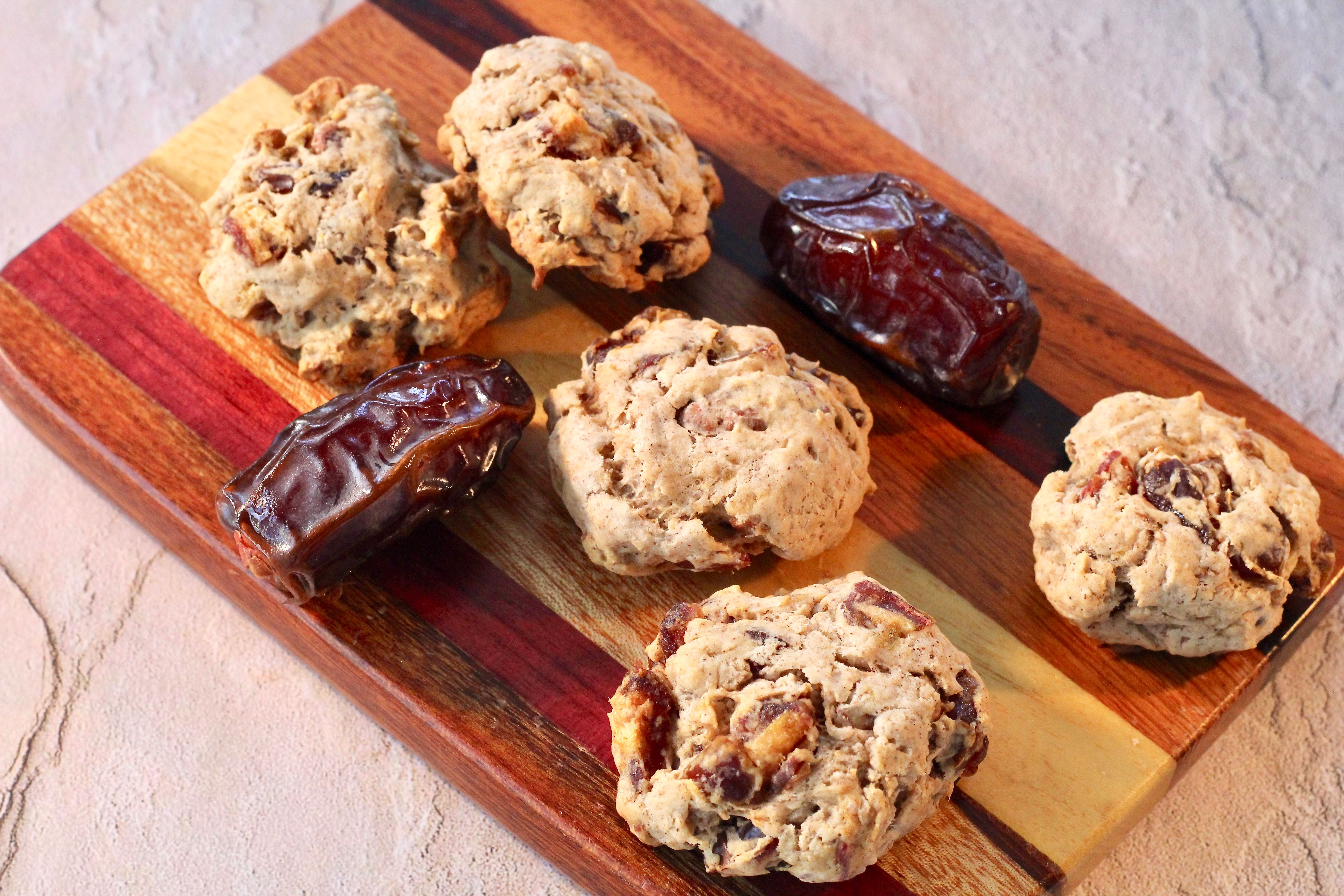 Sugar-Free Date Cookies lutzflcat