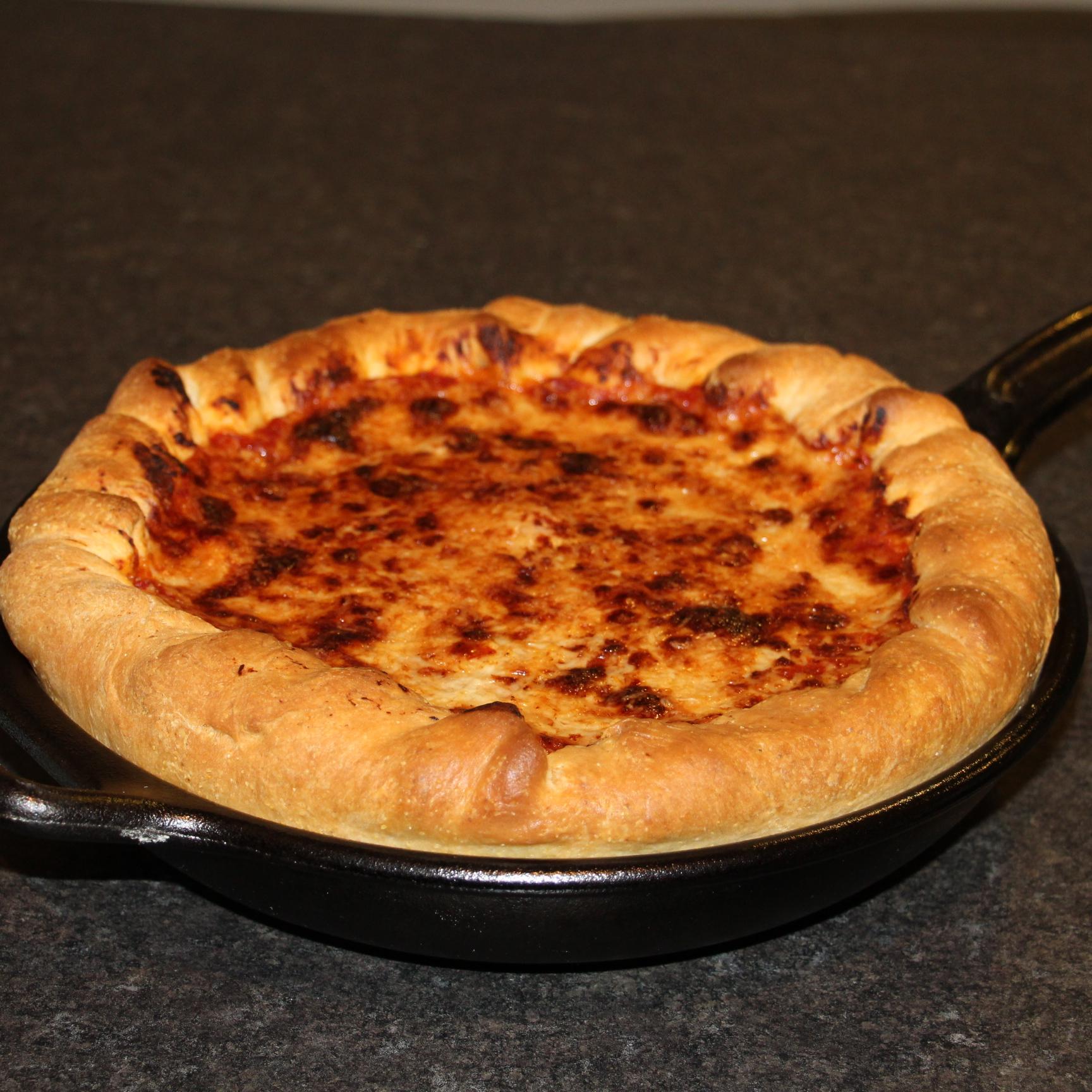 Chicago Deep-Dish Pizza jwalks80