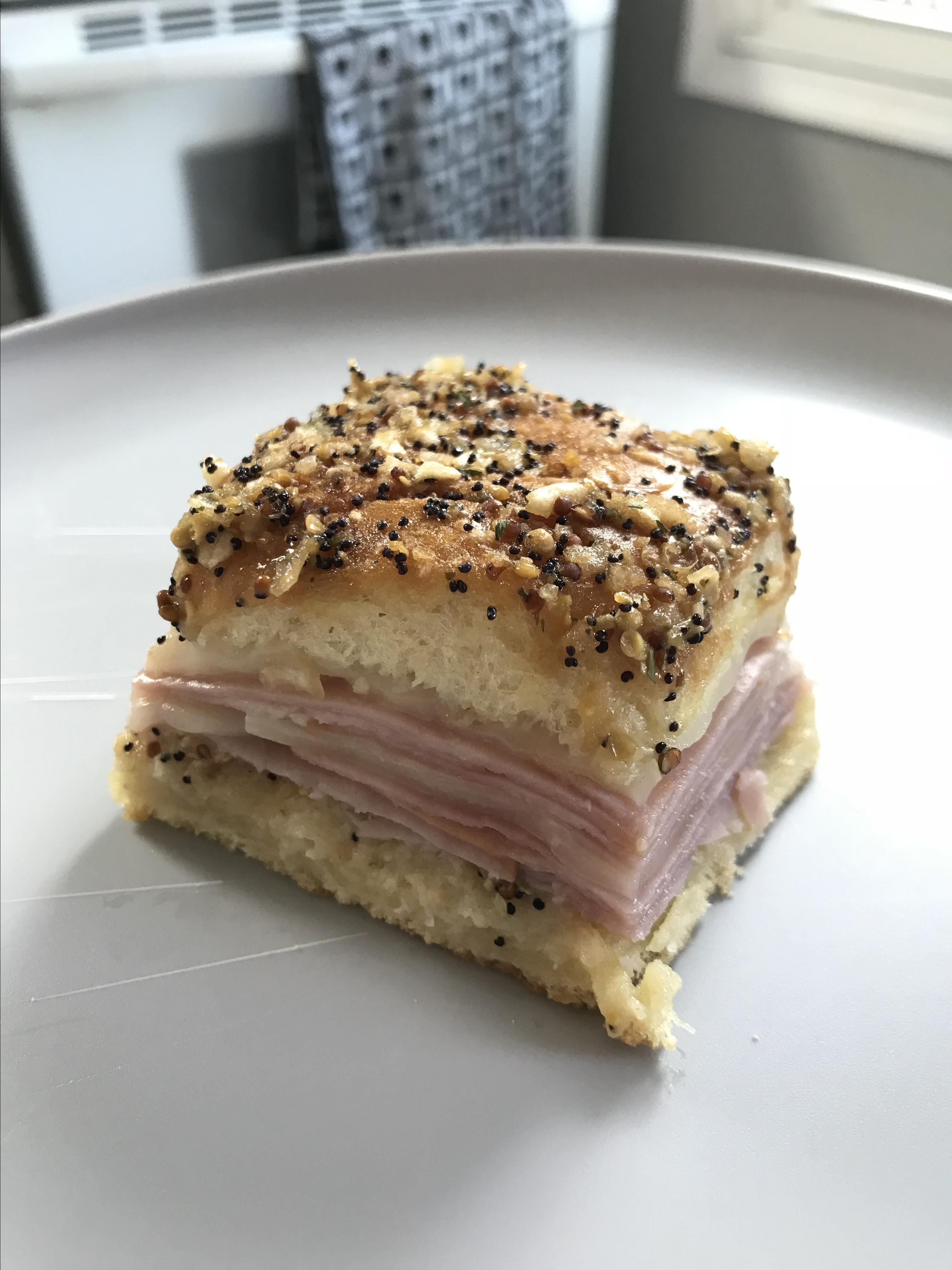 Hawaiian Ham and Cheese Sliders CMARTIN1012