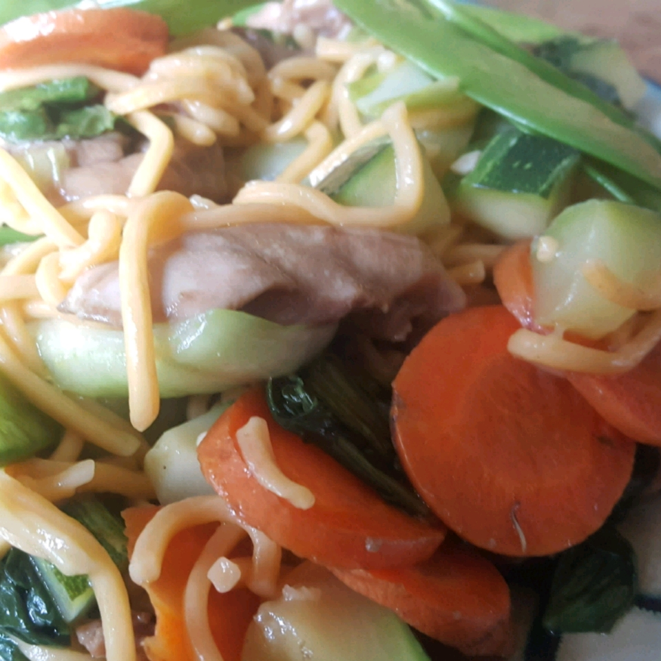 Chow Mein with Chicken and Vegetables