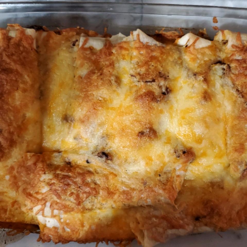Slow Cooker Beef Enchiladas