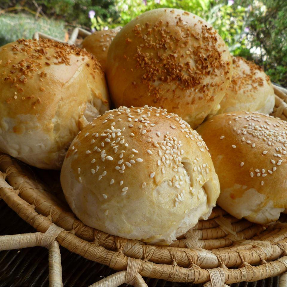 Belle's Hamburger Buns lutzflcat