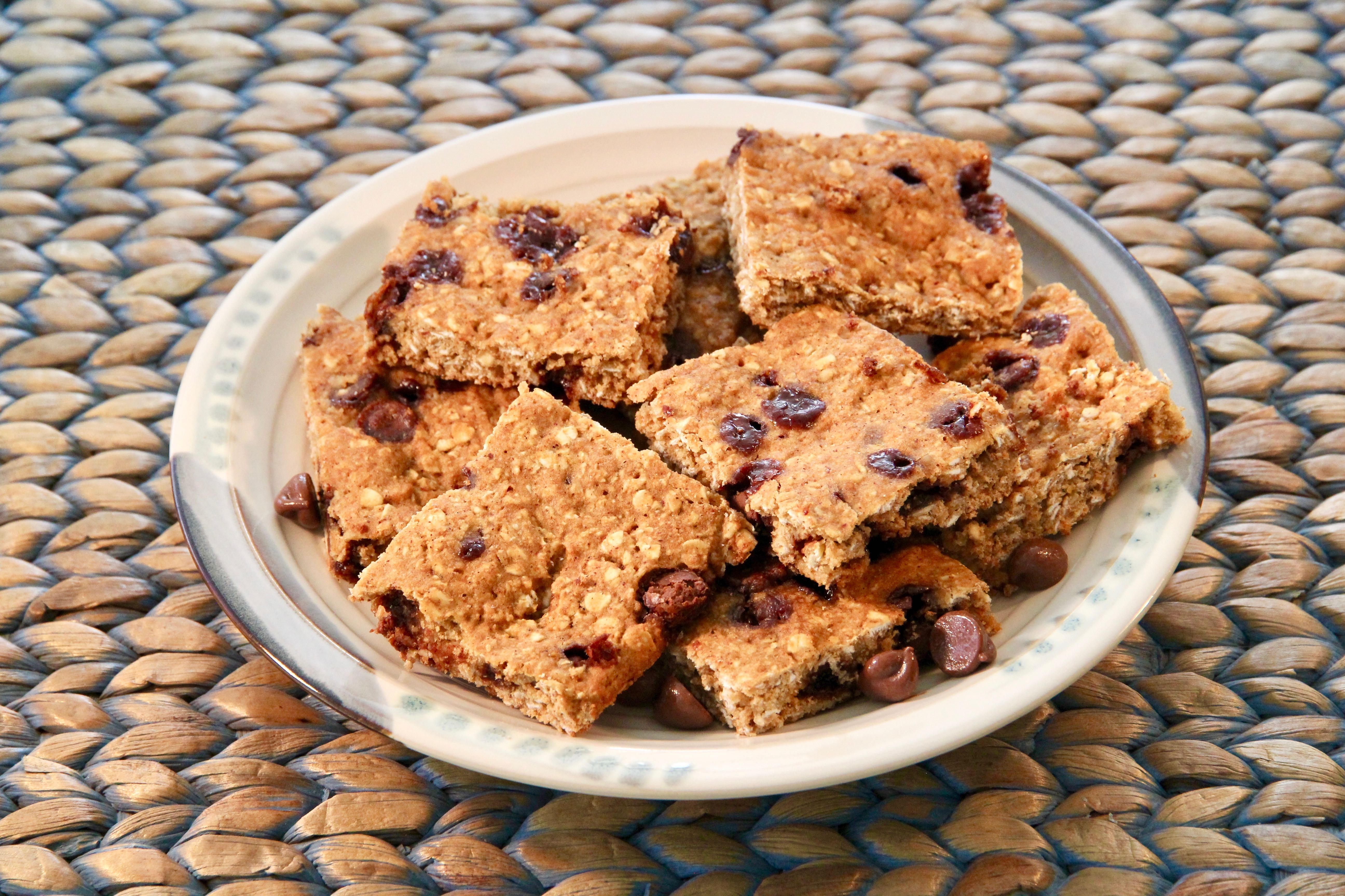 Oatmeal Chocolate Chip Snack Bars