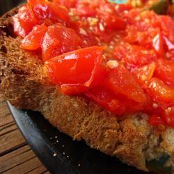 Tomato-Garlic Bread pomplemousse