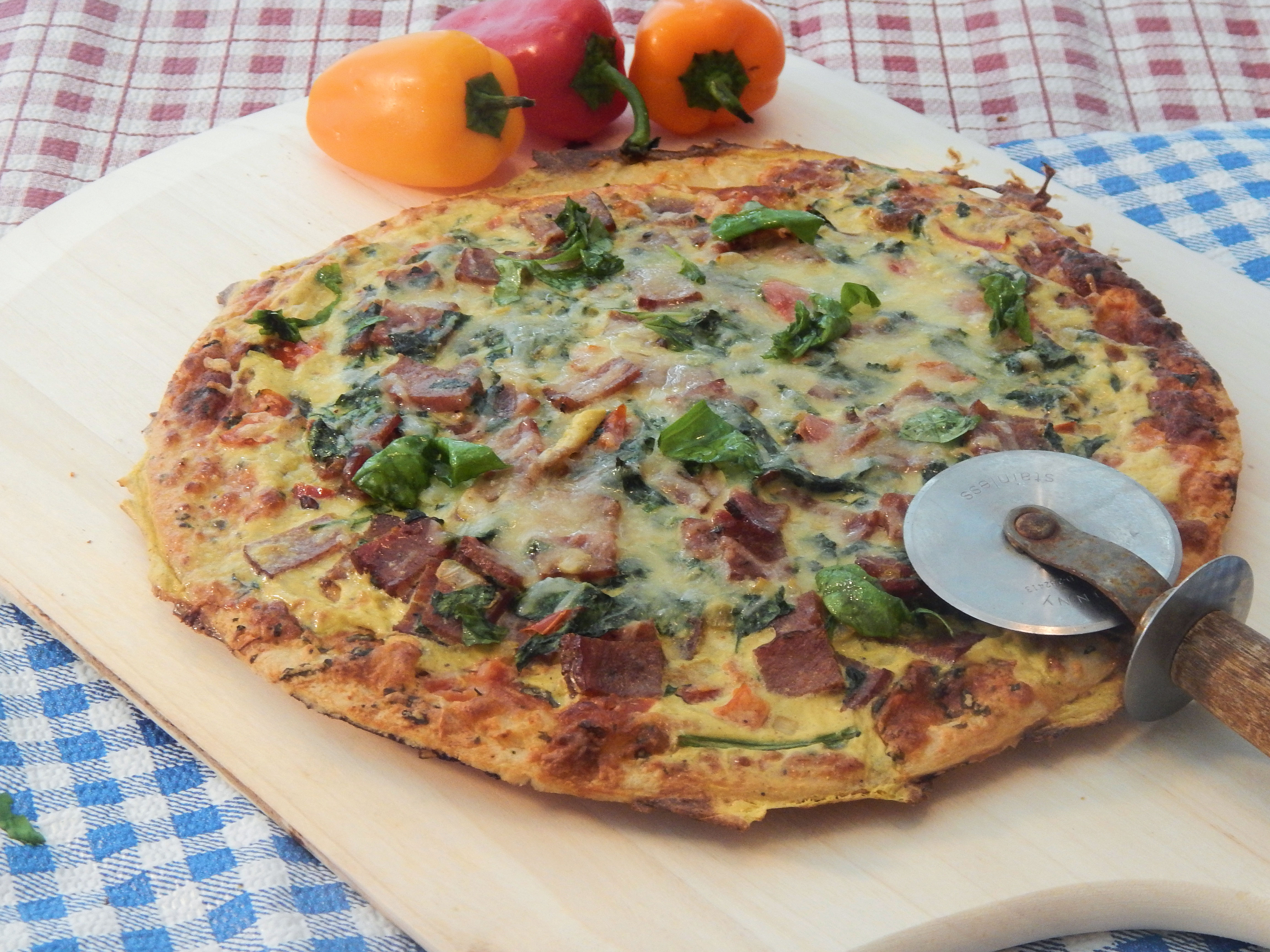 Bacon, Egg, and Spinach Breakfast Pizza