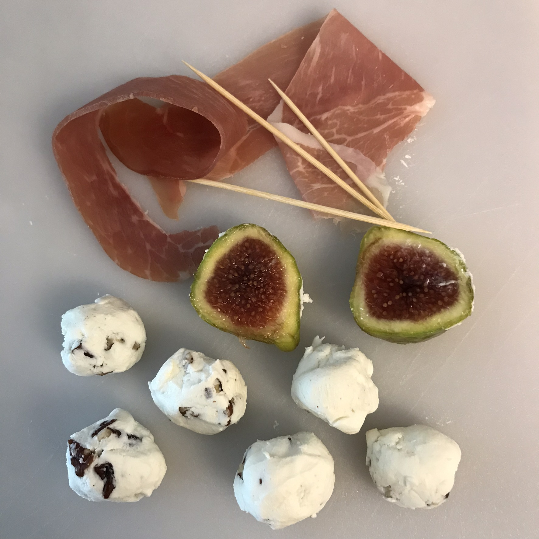 Figs with Goat Cheese, Pecans and Bacon