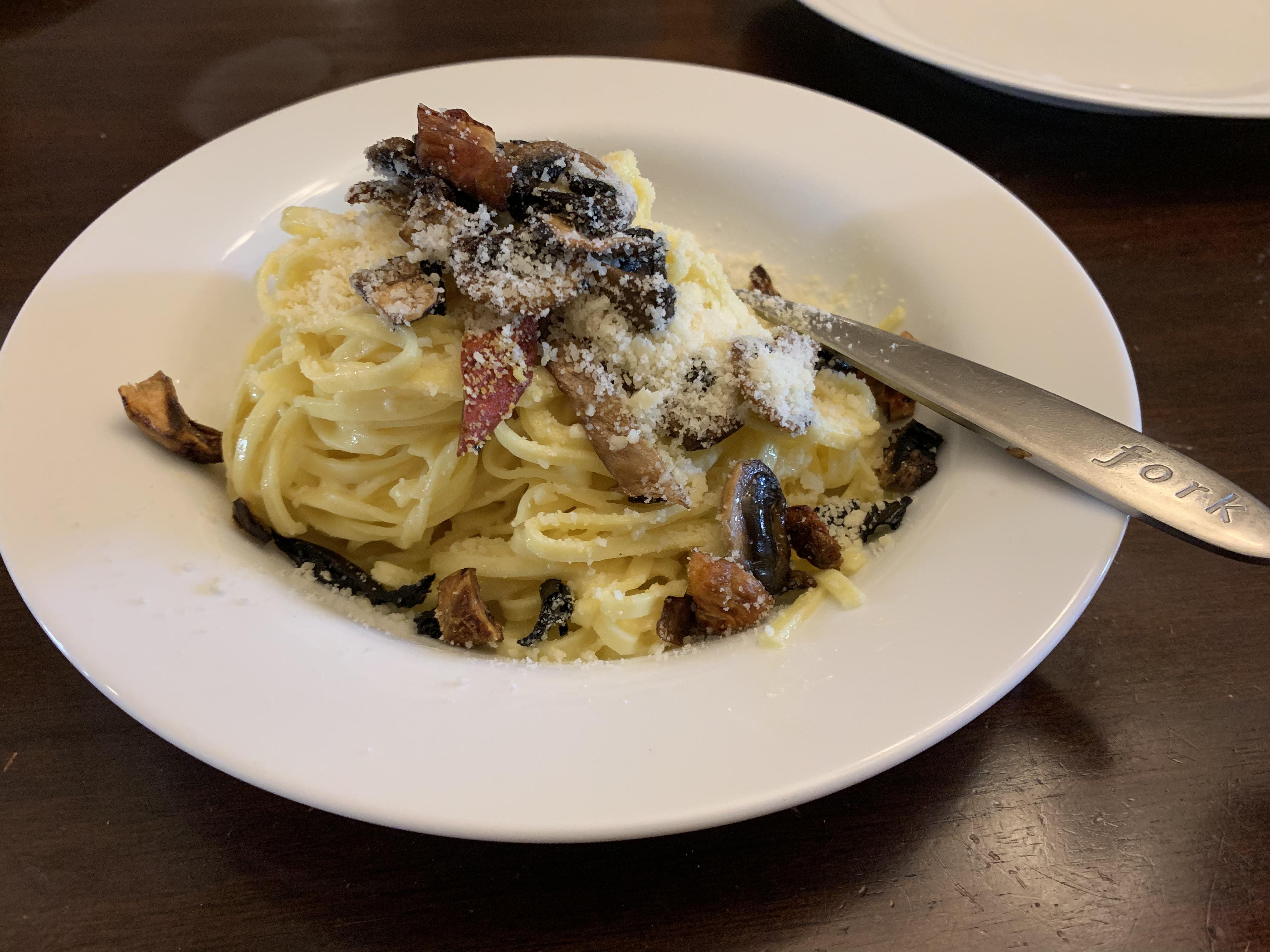 10-Minute Mushroom Carbonara