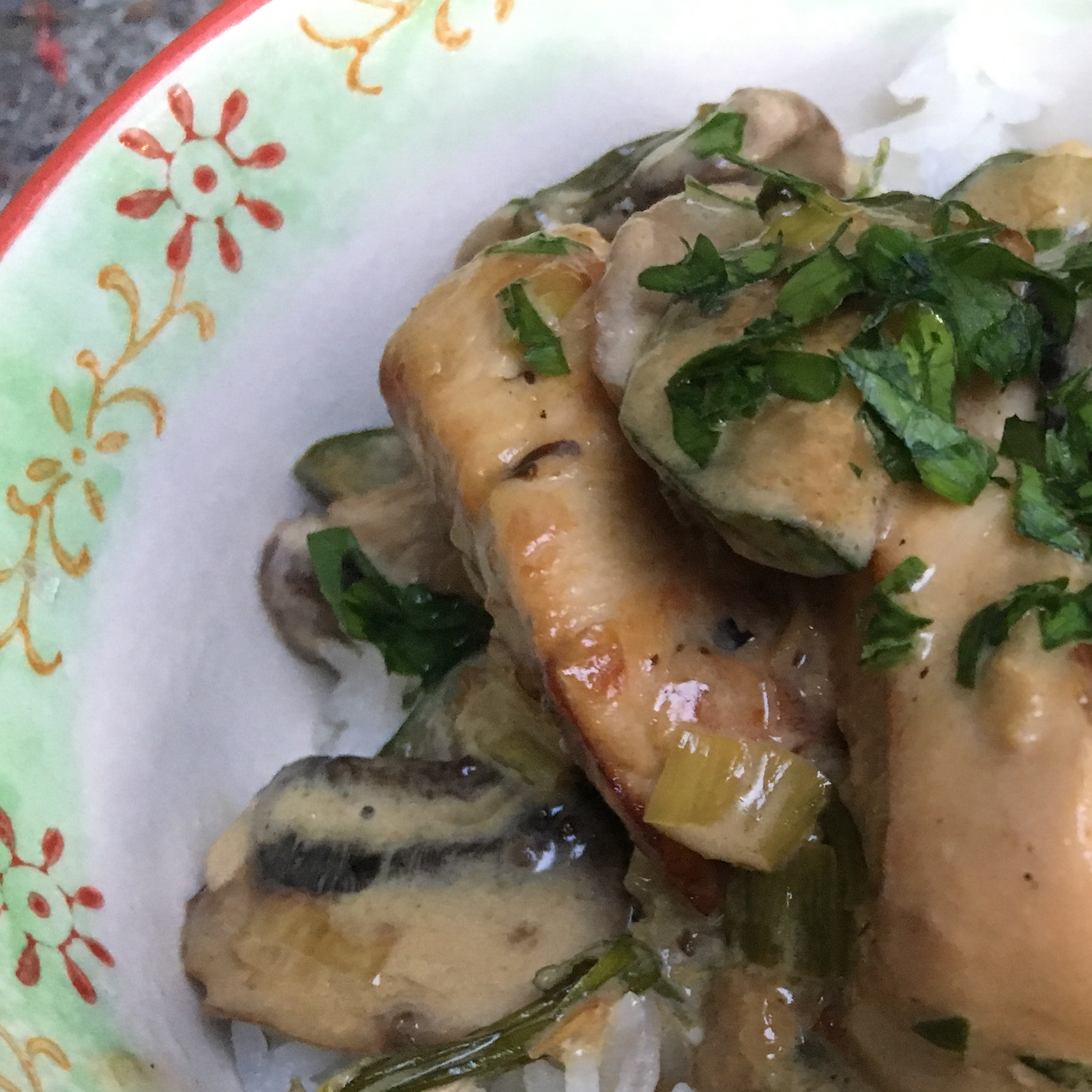 Easy Chicken with Mushrooms and Zucchini in Cream Sauce