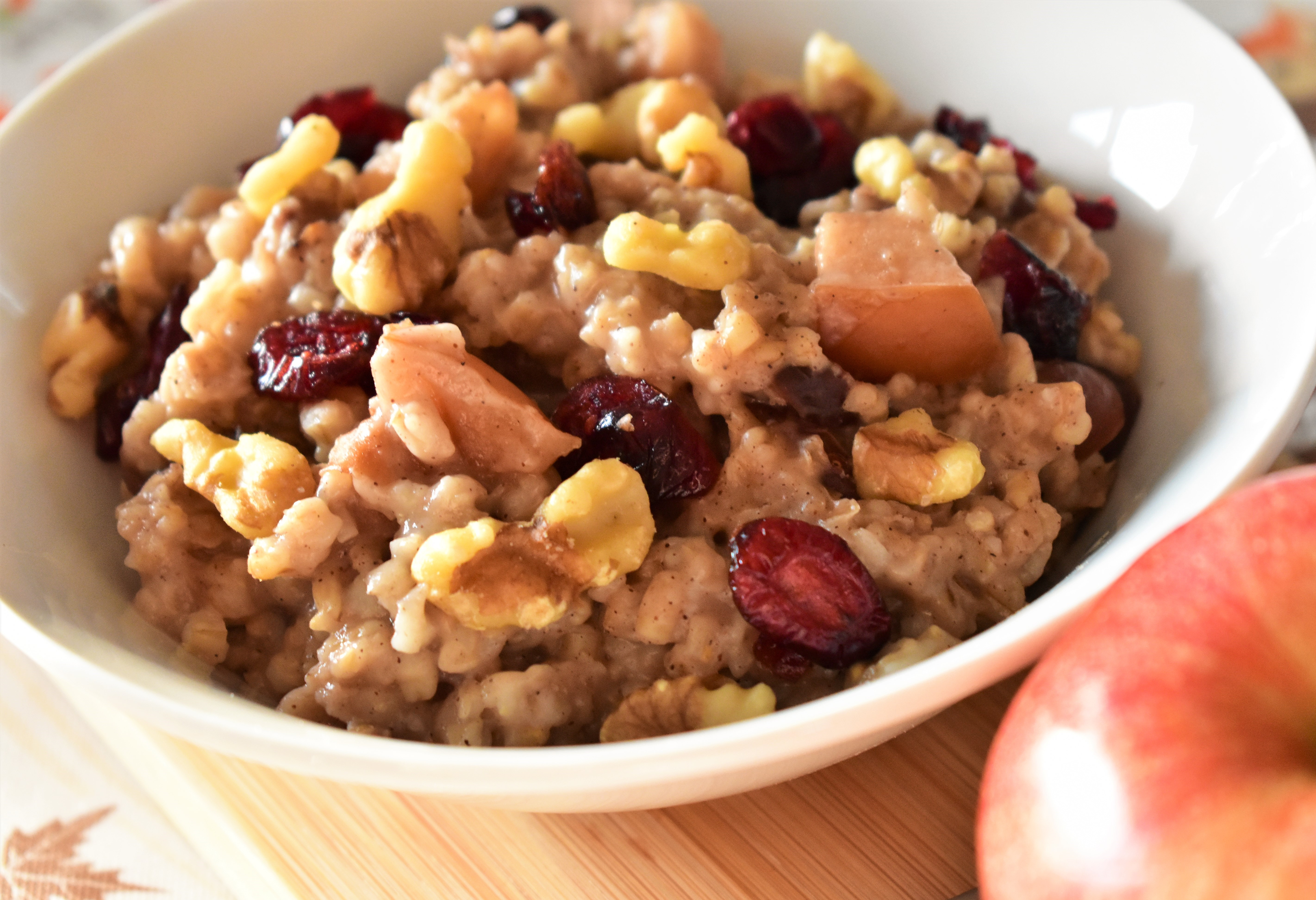 Slow Cooker Overnight Oatmeal with Apples, Cranberries, and Walnuts myvallie