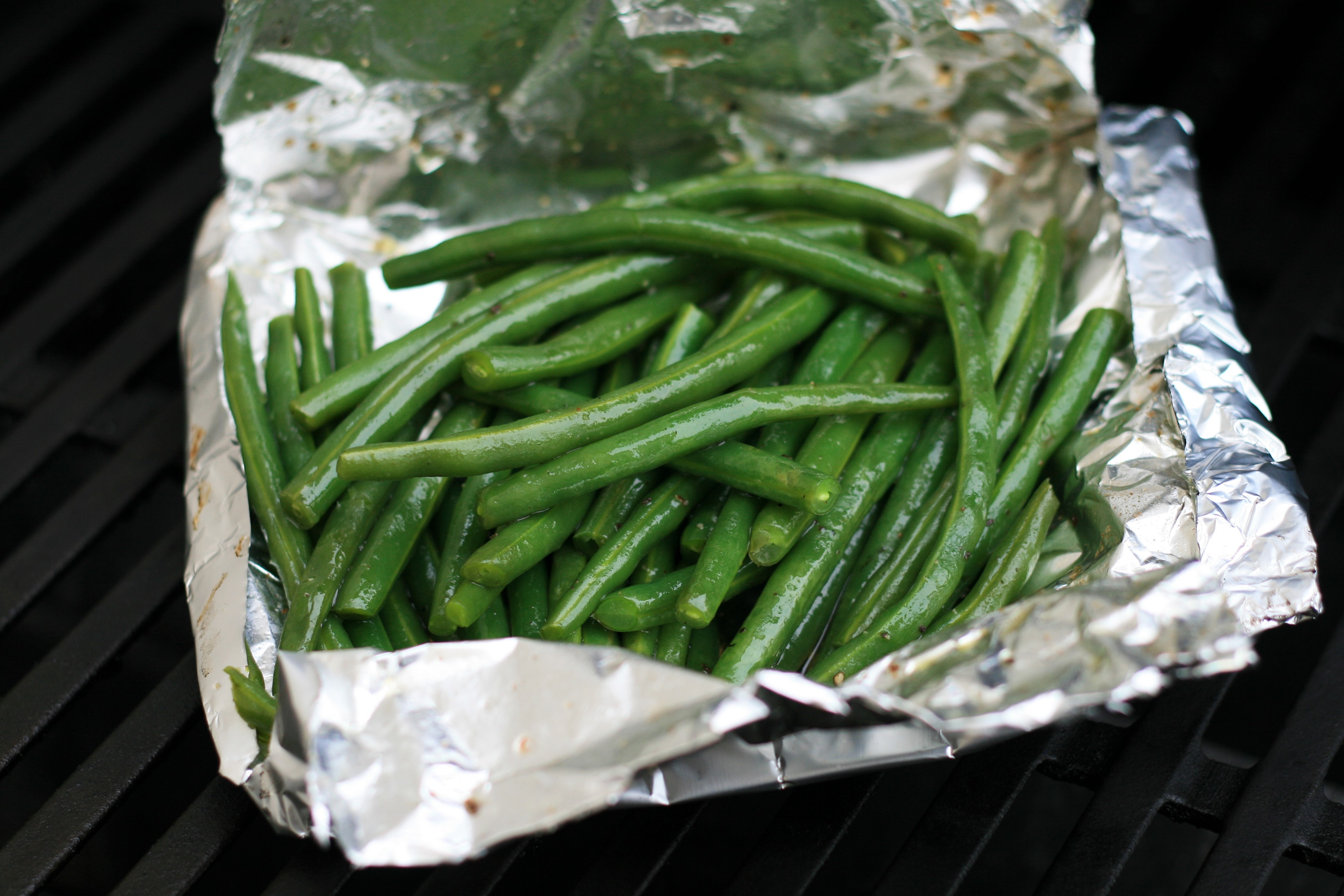 Foil-Pouch Grilled Green Beans