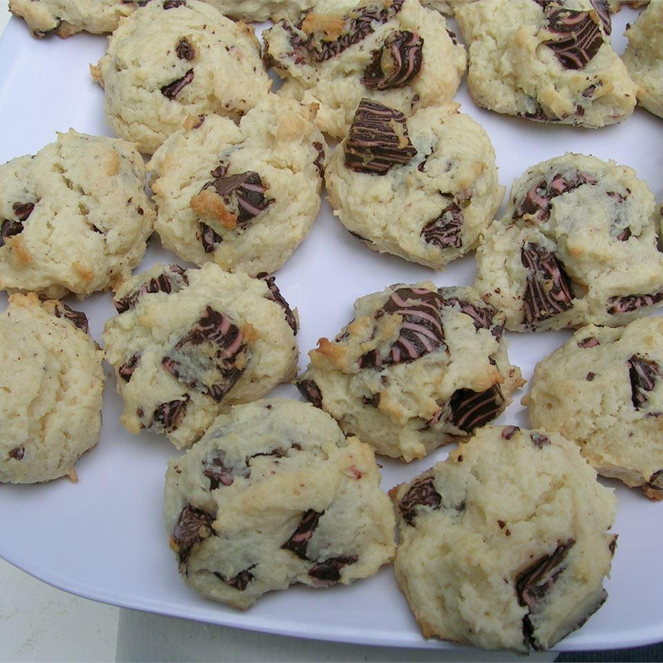 INCREDIBLE Raspberry Cheesecake Cookies