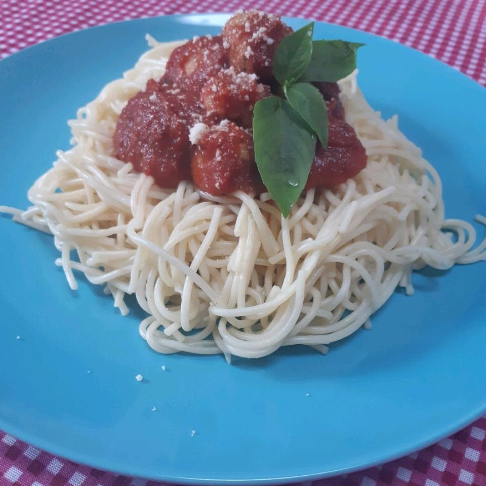 Chicken Meatballs and Spaghetti Mina