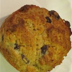 Buttermilk-Oatmeal-Raisin Muffins