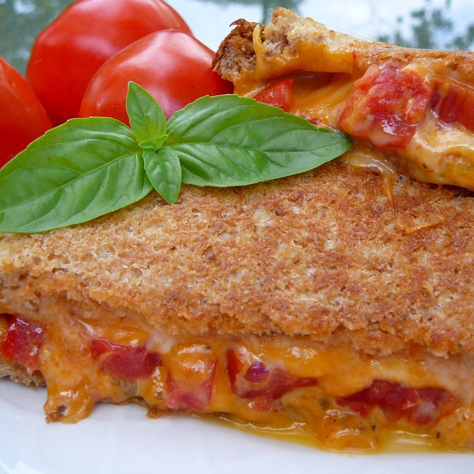Grilled Cheese with Tomato Molly