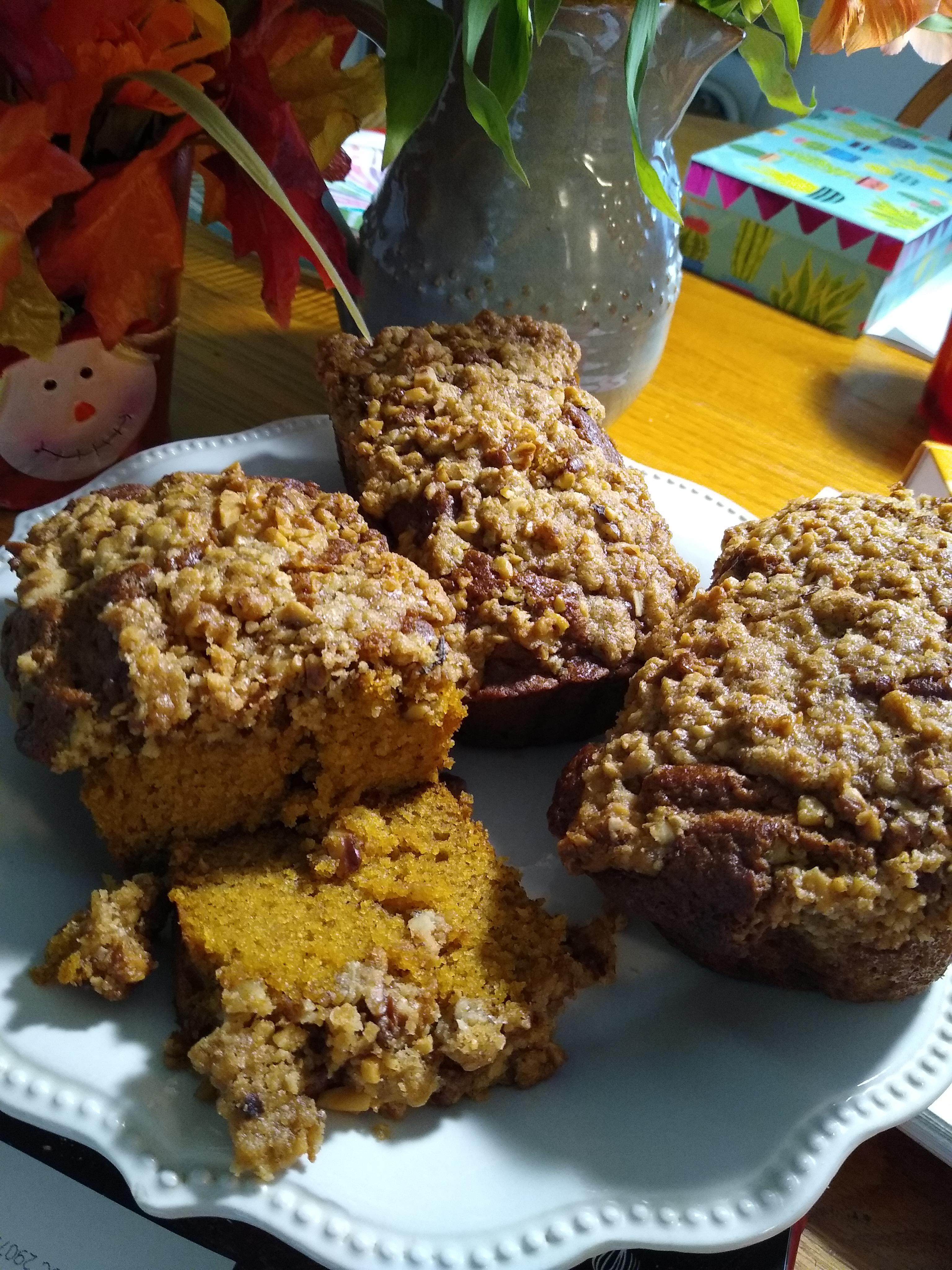 Walnut Streusel Pumpkin Bread munchpuppy