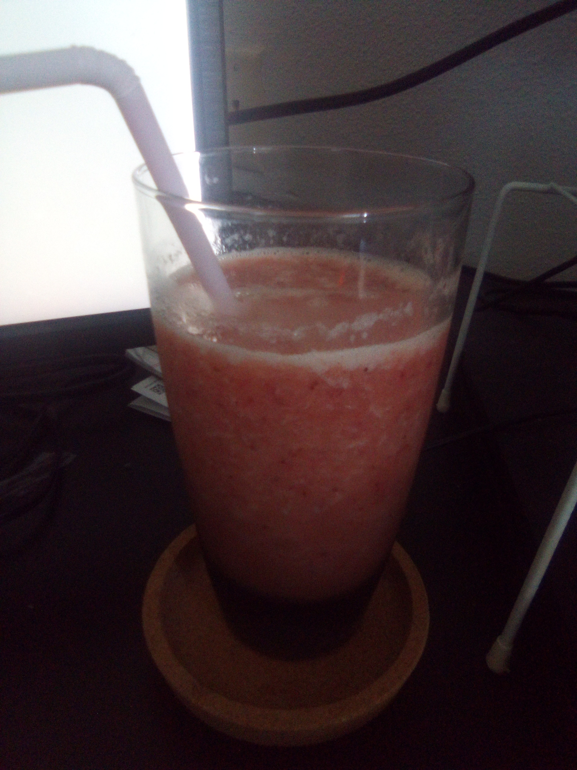 Mongolian Strawberry-Orange Juice Smoothie