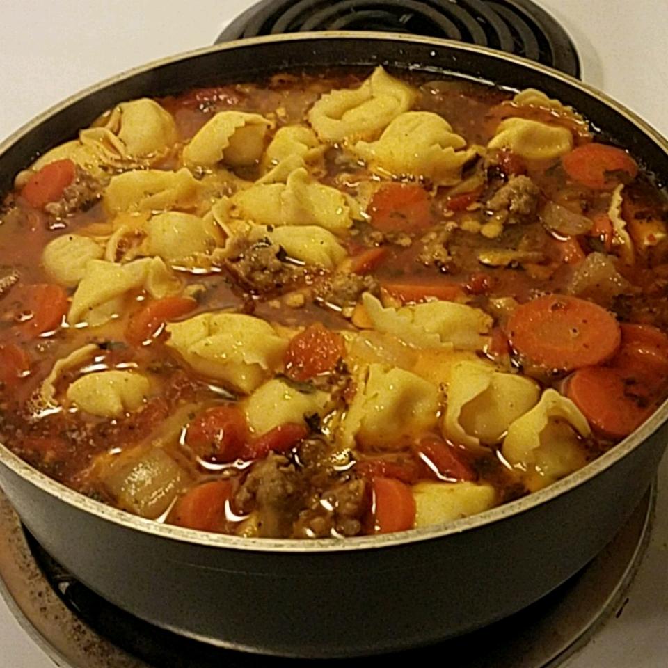 Authentic Tortellini Soup Donnelle