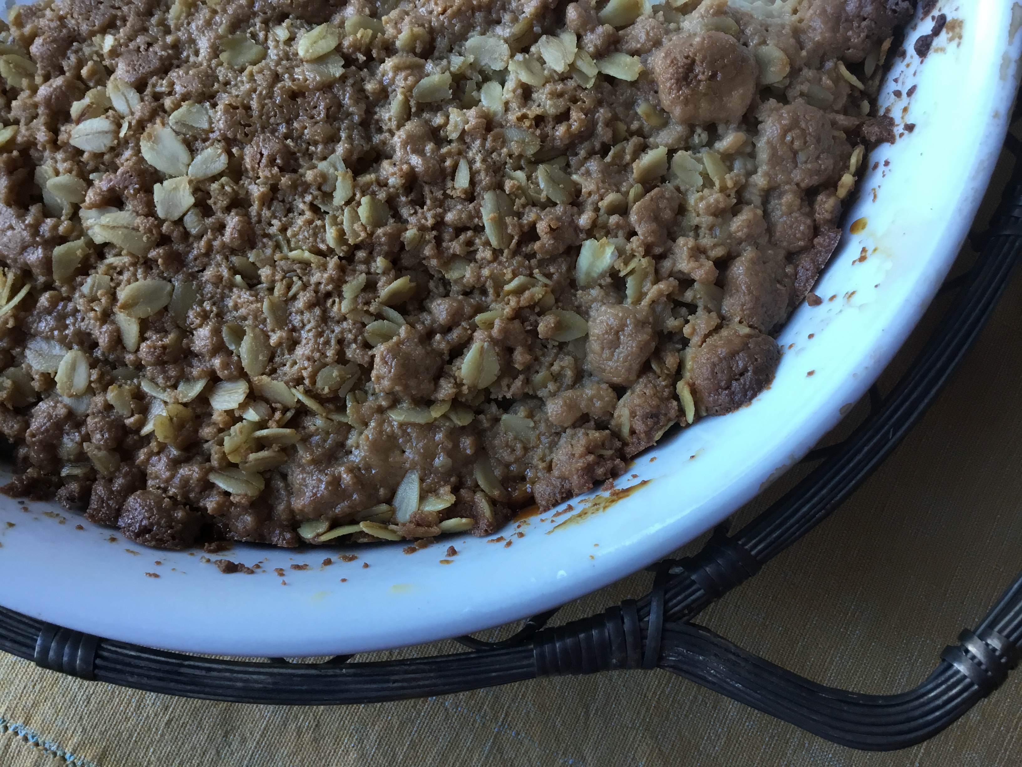 Apple Crumble with Halva Topping
