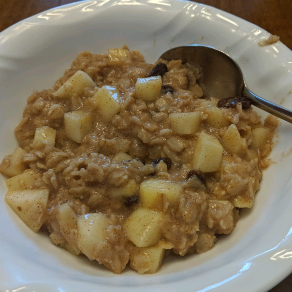 Creamy Apple Cinnamon Raisin Oatmeal Ann P