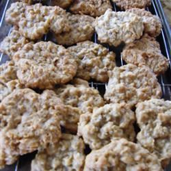 Anzac Biscuits with Macadamia Nuts Pam Skinner