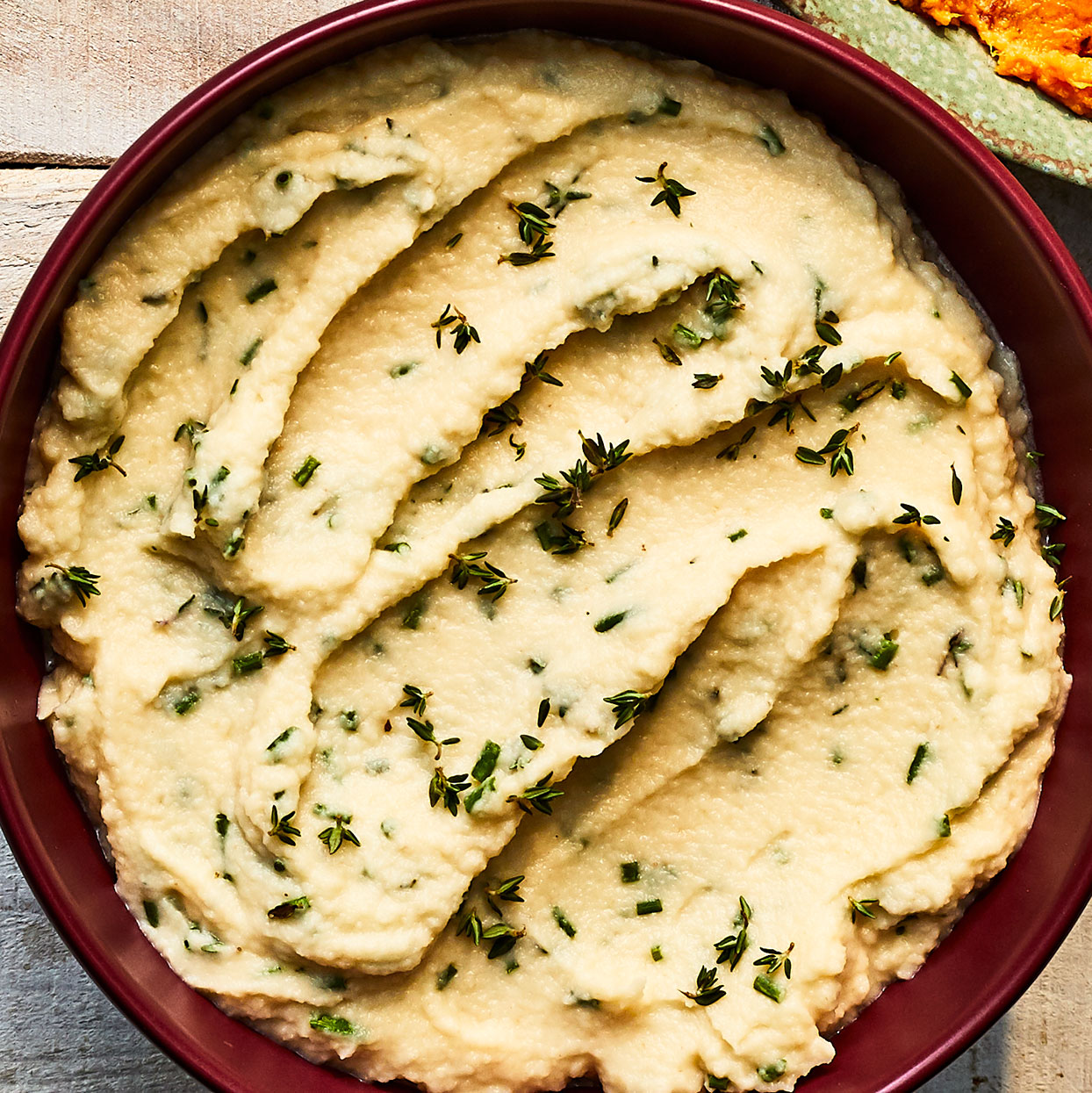 Celeriac is a delicious low-carb alternative to mashed potatoes. Pureeing the steamed celeriac in a food processor ensures a smooth, light and fluffy texture.