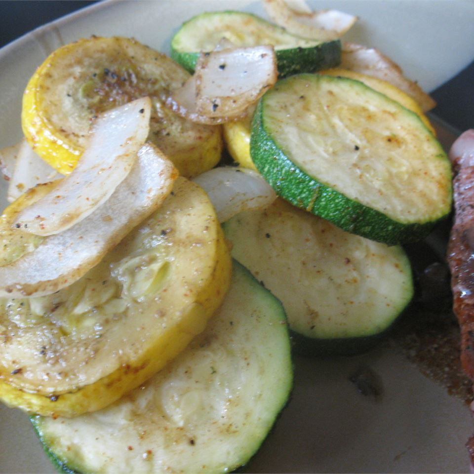 Easy Cajun Grilled Veggies mommyluvs2cook