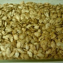 Spicy Roasted Pumpkin Seeds suchapinky