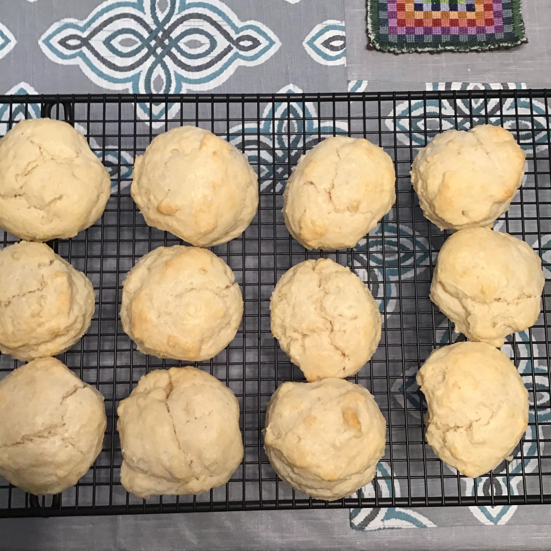 E-Z Cream Biscuits lgetman@roadrunner.com