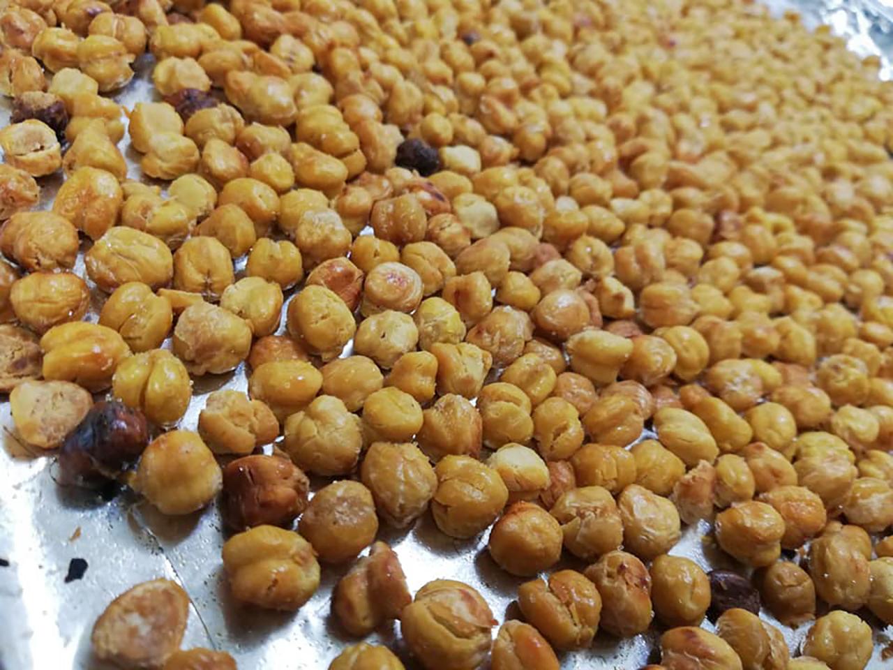 Roasted Salt & Vinegar Chickpeas Suzanne L