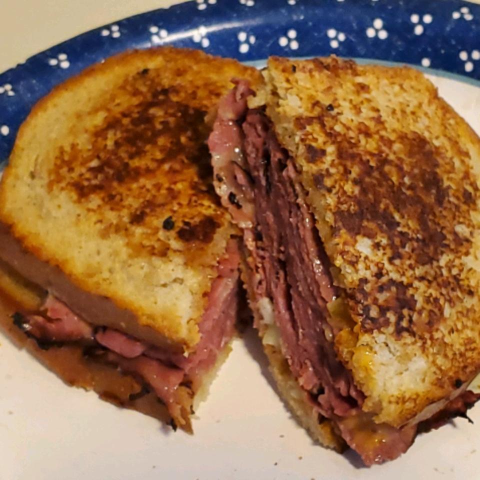 Reuben Sandwich Jay Tun Er