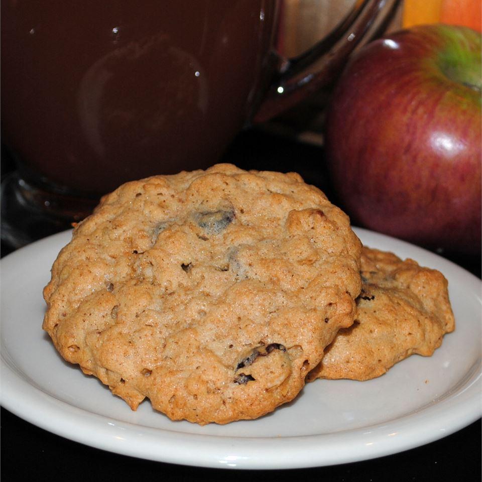 Cranberry-Nut Oatmeal Cookies Pam Ziegler Lutz